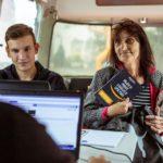 Amazon vyjíždí na náborovou roadshow, s virtuální realitou a mobilní kanceláří navštíví čtyři regiony